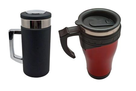 白い背景の上の熱絶縁の旅行マグカップ