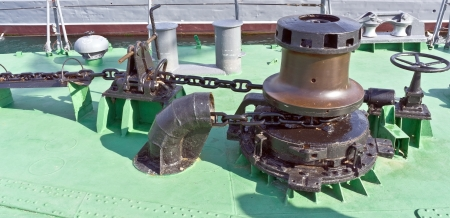 secure brake: dropping anchor forward mooring station