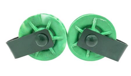 pulleys: dos poleas verdes sobre fondo blanco