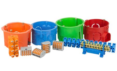 Elektrische Boxen Mit Komponenten Für Den Einsatz In Elektrischen ...