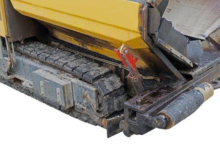 道路建設や修理工事中のアスファルト舗装機