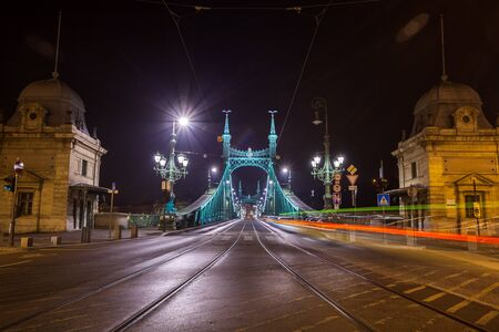 Night view of Liberty Bridge, capital of Hungary. Travel. Banco de Imagens