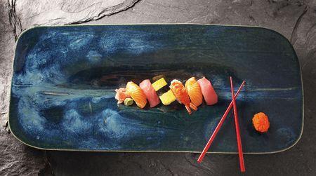 Sushi on platter Zdjęcie Seryjne