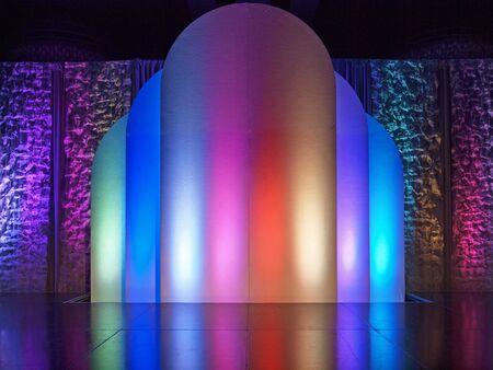 hintergr�nde: bunten beleuchteten B�hnenhintergrund