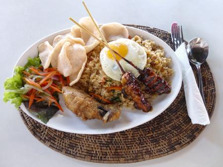 ナシゴレン。インドネシアのチャーハン