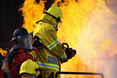 bombero: Los combates de entrenamiento Fuego Empleados Anual Foto de archivo