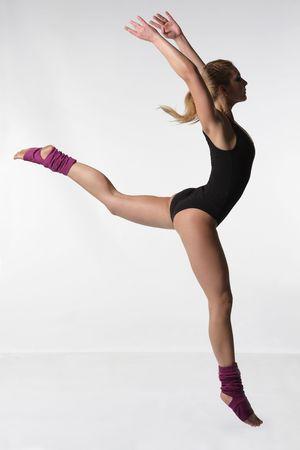 modern dance: junge Frauen tanzen Jazz Modern Dance  Lizenzfreie Bilder