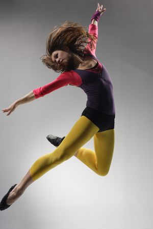 modern dance: junge sch�ne Frau tanzt Jazz Modern Dance  Lizenzfreie Bilder