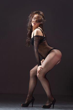 cute j�venes mujeres en ropa interior posando en un fondo oscuro  Foto de archivo - 3400112