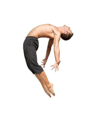 ballet hombres: joven y elegante bailarina de ballet moderno en el salto
