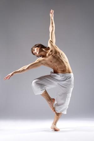 ballet hombres: elegante estilo moderno y joven bailar�n es lo que