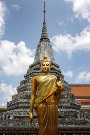 Wat Arun, The Temple of Dawn, Bangkok, Thailandia. photo