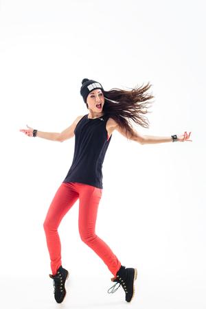 tänzerin: junge schöne Tänzerin posiert auf Studio-