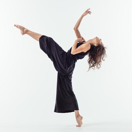 Danseuse Beuatiful. Fond de studio.