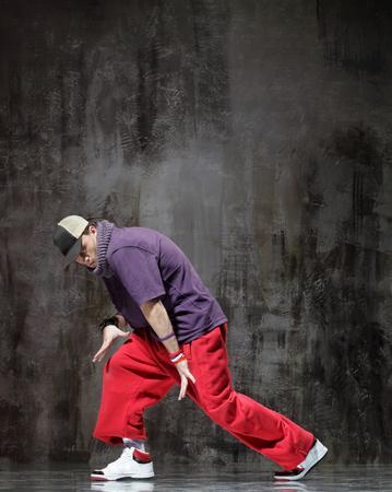 el bailarín moderno de hip hop Foto de archivo