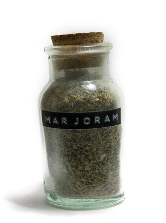 Marjolein in een glazen pot met kruiden cork top