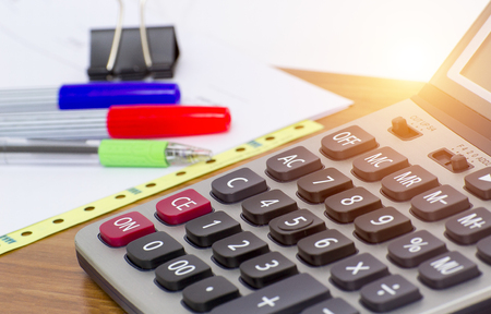 Calculator to aid the fast and vivid colors