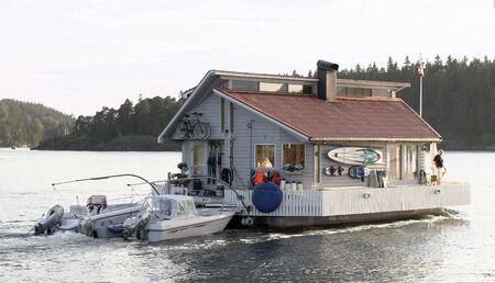 steep holm: Houseboat