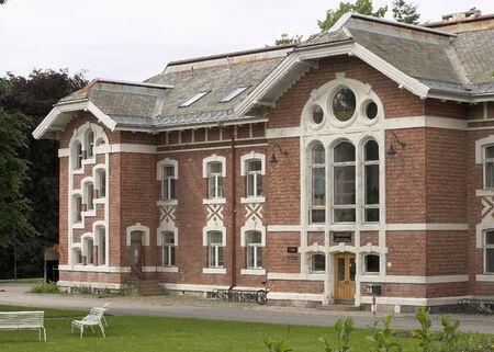 methodologies: Old building