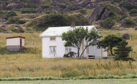 White cottage photo