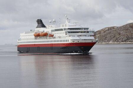 artic circle: Coast liner
