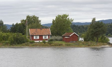 unbend: Small cottage on a small island.