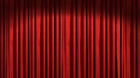 rideau de theatre: Rideau rouge du th��tre avec ombres Banque d'images