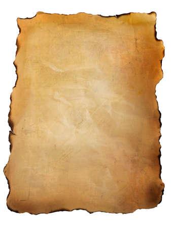흰색 배경에 대해 오래 된 양피지 종이