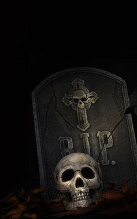 tumbas: Escalofriante l�pida con cr�neo sobre fondo negro  Foto de archivo