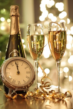 シャンパン グラス、新しい年をもたらす準備ができて