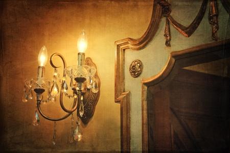 wall sconce: Candelero luz del antiguo muro con espejo y la cosecha