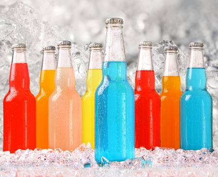 Cool summer drinks with ice background Banco de Imagens - 10129837