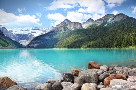 Beautiful Lake Louise befindet sich im Banff-Nationalpark, Alberta, Kanada