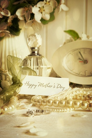 Note card with jewelry  for Mother s Day photo