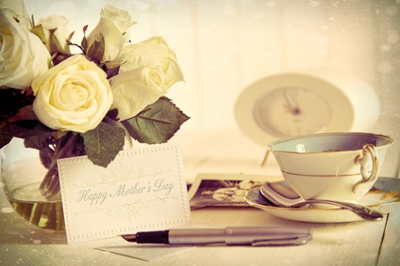 special occasions: Roses and note card for Mother s Day