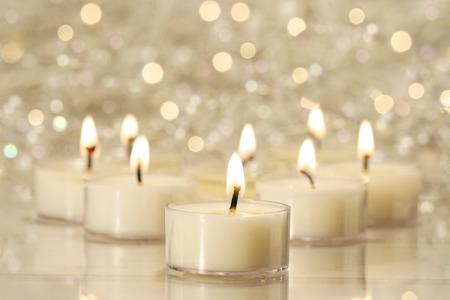 velas de navidad: Un grupo de velas de té para la celebración de las fiestas