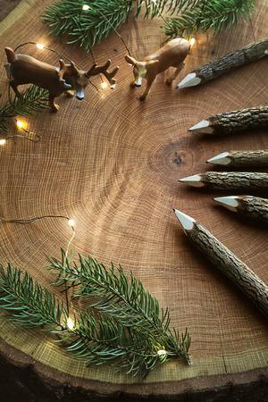 Wooden pencils on tree stump 免版税图像