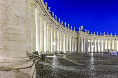 neoclassic: Italy, Rome, Piazza San Pietro - It was 17102013 in Rome and this is a shot session taked in the night with long time exposure.