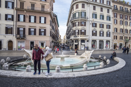 spagna: Italy, Rome, Piazza di Spagna, 12132015, the Spanish Steps and Fountain of Four Rivers behind Trinit� dei Monti