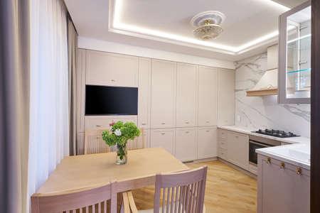 Modern white kitchen clean interior design. Real photo Banque d'images