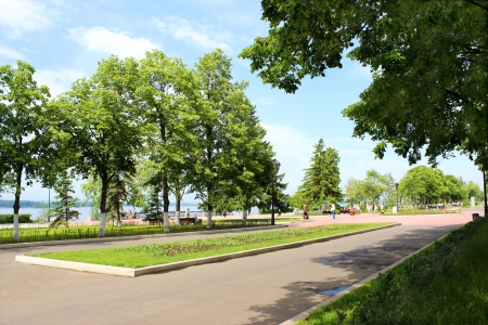 Embankment of the Volga River in Samara, a spring sunny day. photo