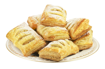 pone: Strudel puff pastry with apple filling, sprinkled with icing sugar