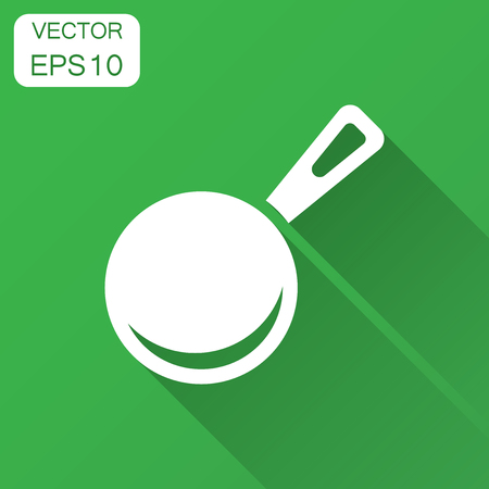 Frying pan icon in flat style. Cooking pan illustration with long shadow. Skillet kitchen equipment business concept. Иллюстрация