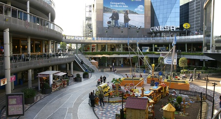 Architecture and design of shopping centers