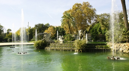 Pond and fountain of the Park of the Ciudadela, Barcelona Editorial