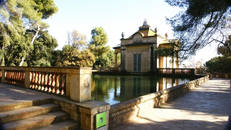 Little house of the pond of Horta s Labyrinth, Barcelona