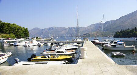 hitching post: Muelle en el puerto de Cavtat, Croacia