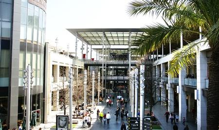 centers: Shoping center La Maquinista in Barcelona