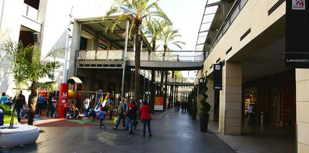 centers: shopping center in Barcelona Editorial