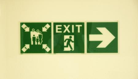 salidas de emergencia: Cartel informativo de los puntos de salida y de reuniones